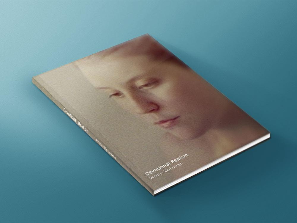 Boek-ontwerp-vormgeving-fotografie-cover-mockup