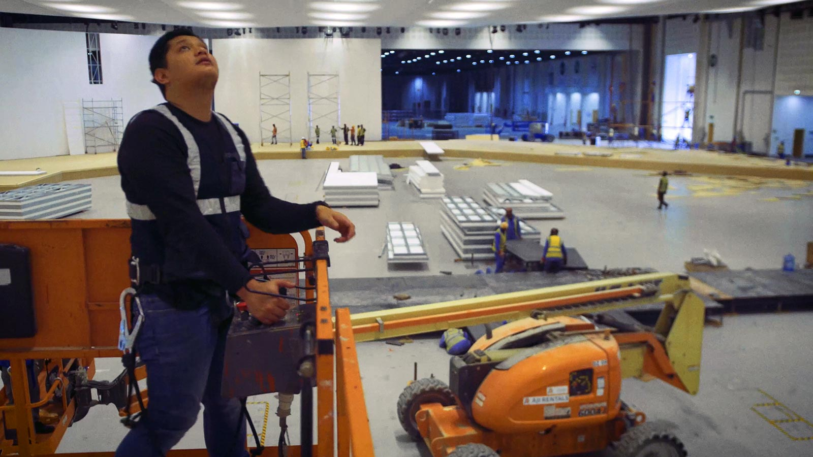Behind-the-scenes-video-productie-expositie-hal-ADNEC